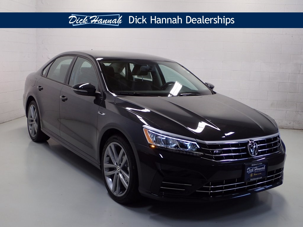 new 2018 volkswagen passat 2 0t r line 4d sedan in vancouver wv18095 dick hannah volkswagen. Black Bedroom Furniture Sets. Home Design Ideas
