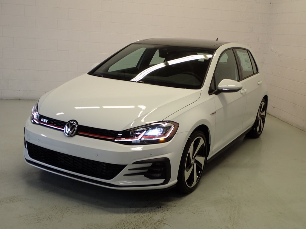 New 2018 Volkswagen Golf GTI Autobahn 4D Hatchback in Vancouver